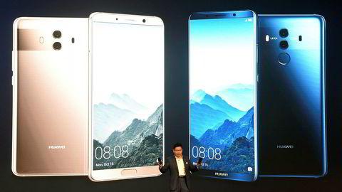 Huawei er blant kinesiske selskaper som investerer stort i kunstig intelligens (AI). De nye smarttelefonene har egenutviklede prosessorer som utnytter kunstig intelligens, og konkurrerer med flaggskip fra Apple og Samsung. Foto: Christof Stache/AFP/NTB Scanpix
