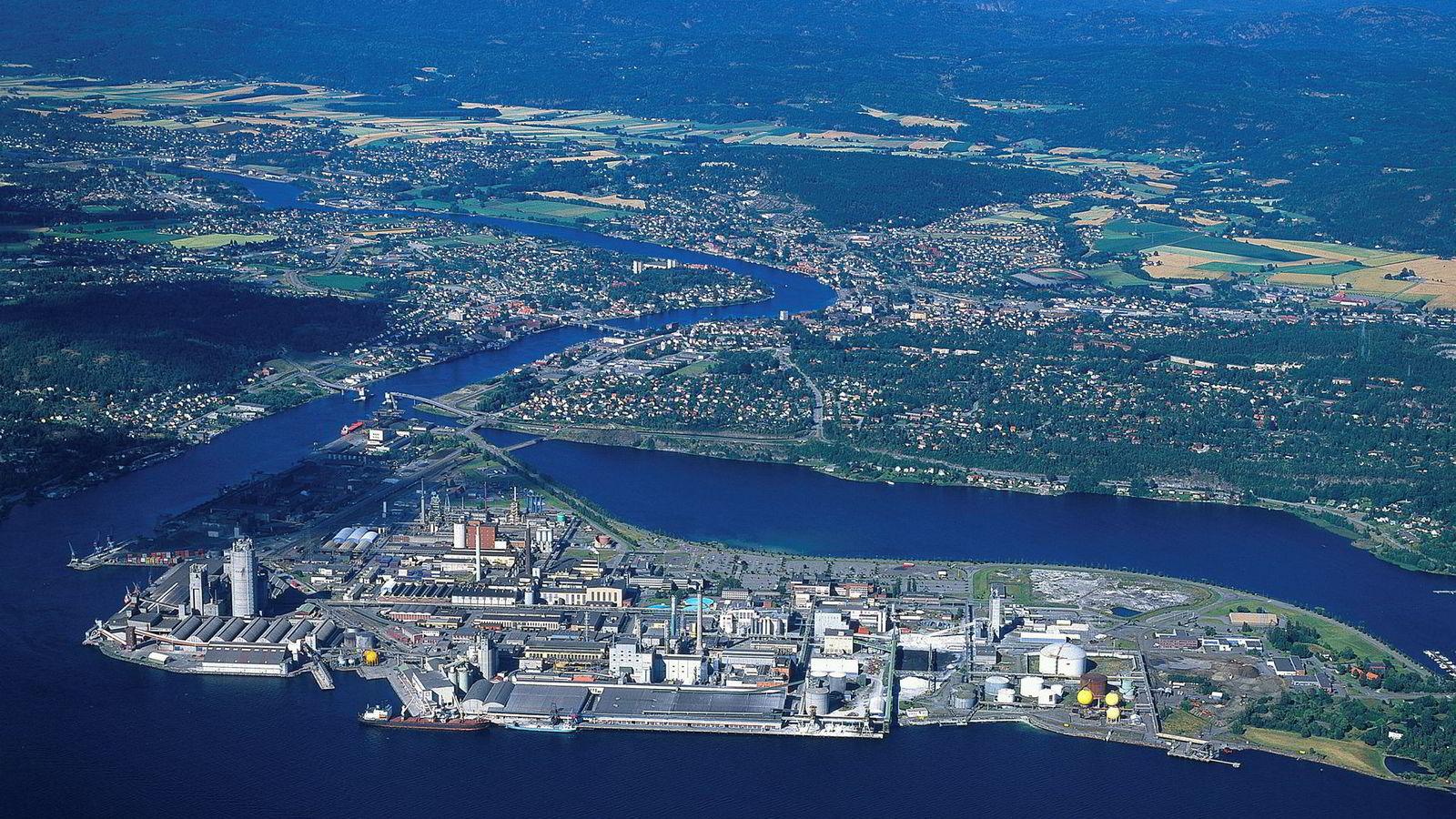 Hydro blir bedt om å rydde opp på sjøbunnen i Gunneklevfjorden i Telemark som er kraftig forurenset etter industrivirksomhet på Herøya.
