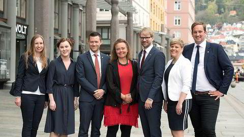Byrådet i Bergen med Anna Elisa Tryti i midten. Fra venstre: Julie Andersland, Linn Kristin Engø, Per-Arne Larsen,  Anna Elisa Tryti, Roger Valhammer, Beate Husa og Håkon Pettersen.