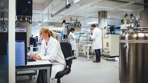 Kliniske studier med mange pasienter er svært kostnadskrevende og kan beløpe seg til mange titalls millioner av kroner. Norge er også på dette området et høykostland, og mange industriselskaper velger derfor lavkostland.