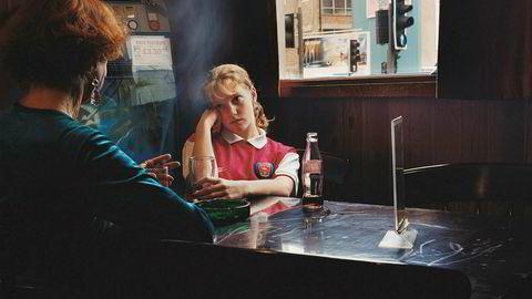 London. Flesteparten av Starkeys bilder er tatt i Øst-London. Det gjelder også «Untitled – October 1998», som ble tatt i Hoxton-området like før årtusenskiftet.
