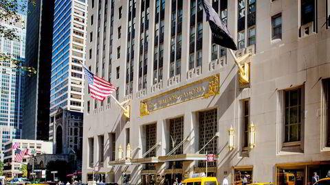 Det kinesiske forsikringsselskapet Anbang kjøpte Waldorf Astoria i New York for to milliarder dollar. Nå prøver Anbang å få kontroll over det amerikanske hotelleierselskapet Starwood. Foto: Brendan McDermid/Reuters/NTB Scanpix