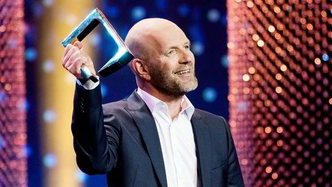 Bård Tufte Johansen fikk prisen for beste mannlig programleder under Gullruten 2018 i Grieghallen i Bergen. Aksjeinvesteringene går ikke like bra.