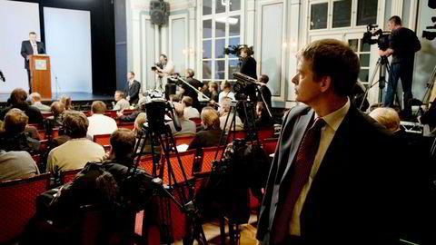 Bjørn Richard Johansen ble hentet inn for å sette krisestab på Statsministerens kontor. Statsminister Geir Haarde på talerstolen.