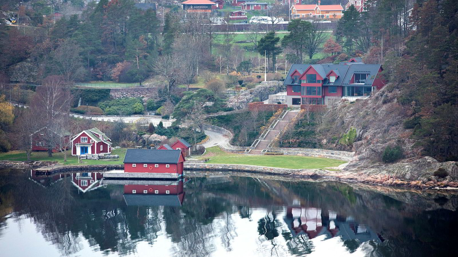 Kraftspekulanten Einar Aas unngår personlig konkurs og får beholde luksusboligen sin på Naxbie i Grimstad kommune.