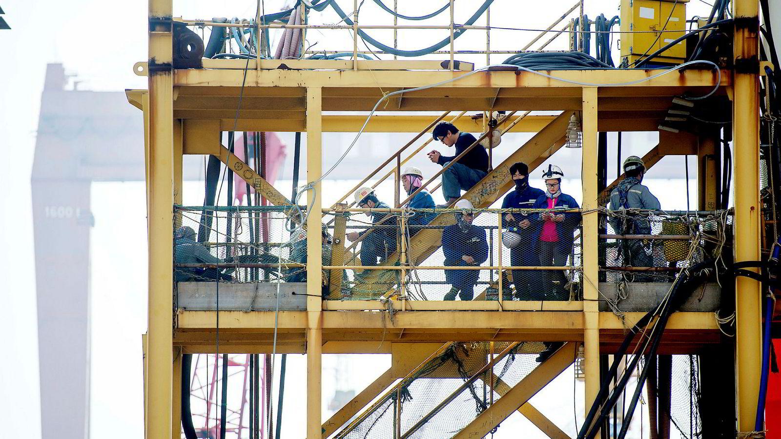 Goliat-plattformen er en av mange norske oljeinnretninger som er bygget ved verft i Sør-Korea de siste årene. Her fra en spisepause blant Goliat-arbeiderne på Hyundai på tampen av 2014.