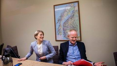 Finanspolitisk talskvinne Kari Elisabeth Kaski og energipolitisk talsmann Lars Haltbrekken fra SV på Stortinget foreslår offentlig eierskap til minst to tredjedeler av norsk vindkraft.