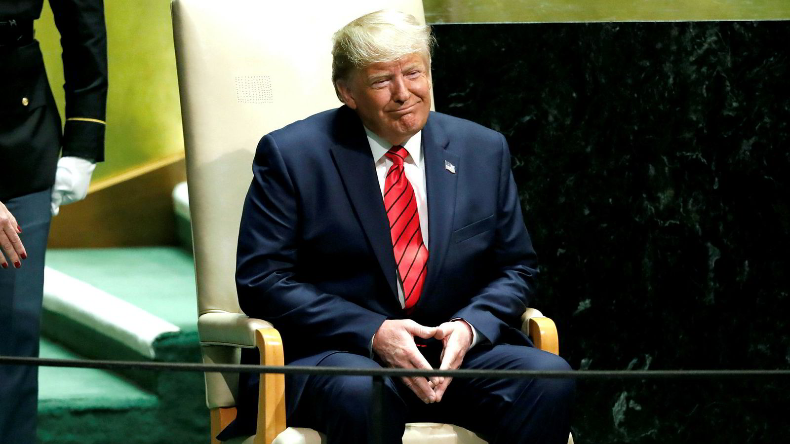 President Donald Trump lytter til applausen etter å ha delte sin suksessoppskrift med kolleger i FNs hovedforsamling: Nasjonalisme.