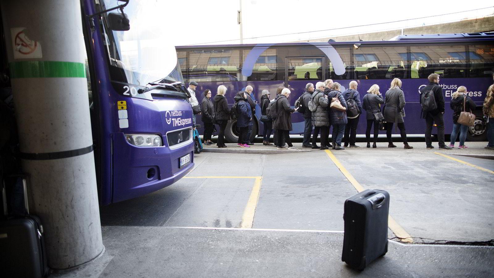 Mange måtte ta buss istedenfor tog denne uken på grunn av togstreik.
