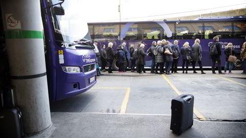 Mange måtte ta buss istedenfor tog denne uken på grunn av togstreik. Foto: Ida von Hanno Bast