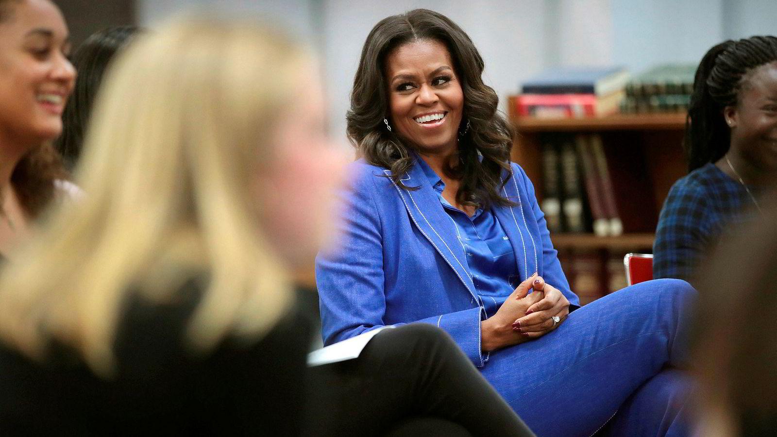 Tidligere førstedame Michelle Obamas «Min Historie» ble lansert i Skandinavia noen timer før den ble sluppet i USA. «Min Historie» er først og fremst en bok for menigheten, mener DNs anmelder.