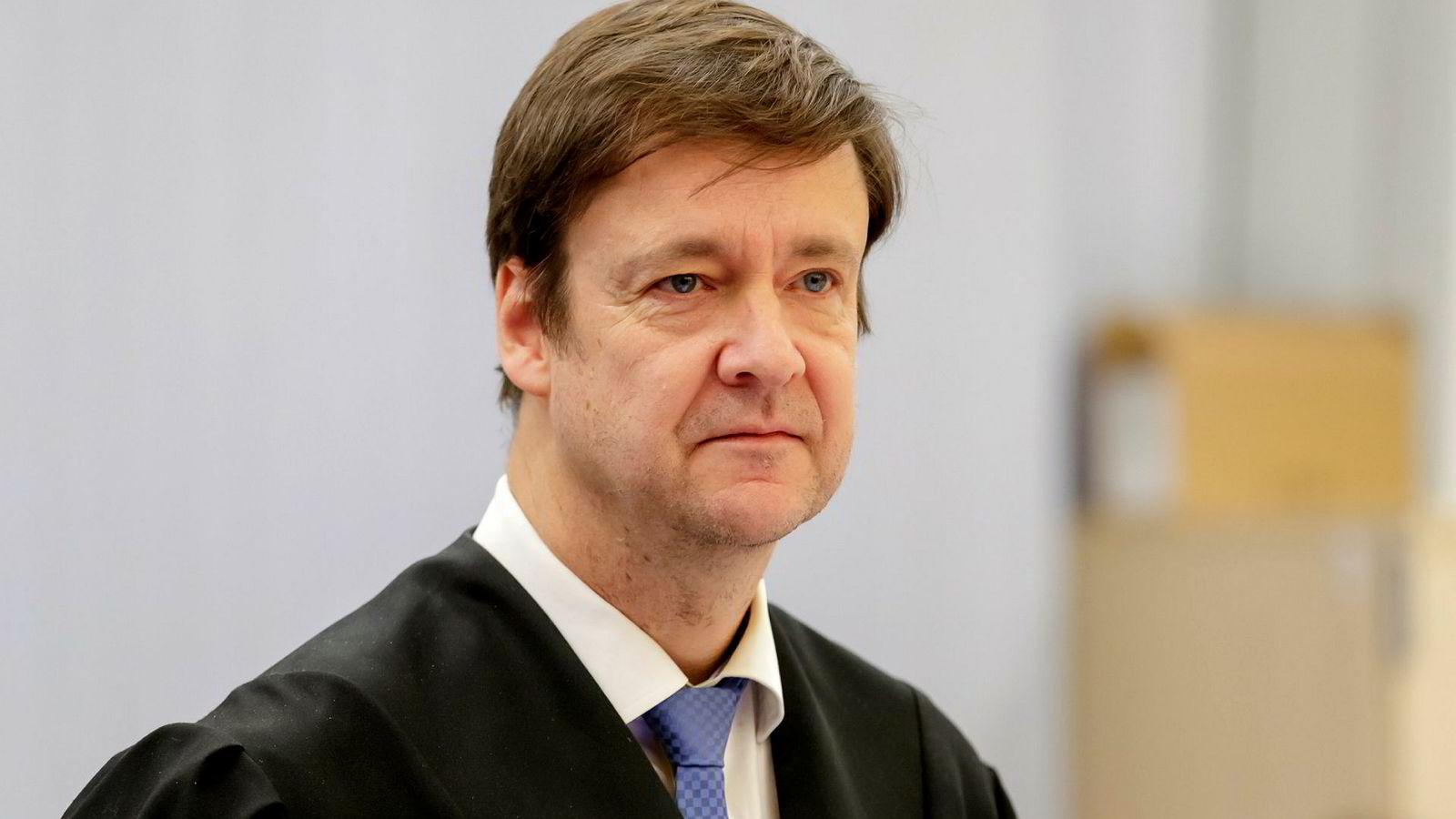 Eirik Jensens forsvarer, advokat John Christian Elden, tviler på om noen norsk domstol vil behandle hans klient rettferdig.