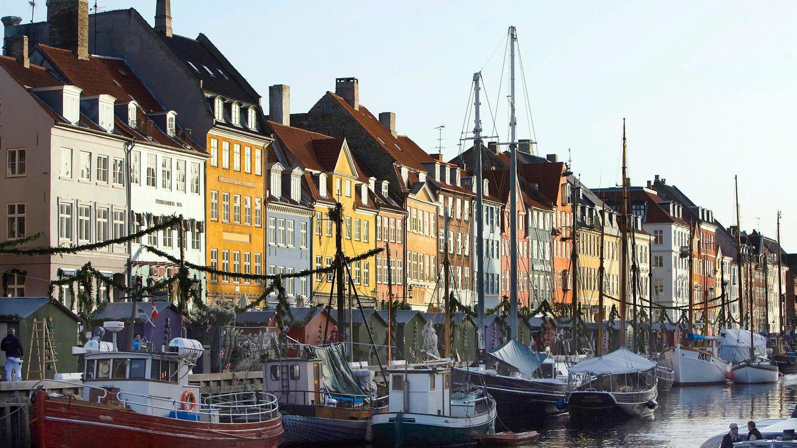 Politisk orden er avgjørende for å sikre fred og håndheve lover, ifølge Fukuyama. Demokratisk oppslutning krever et effektivt styre der sikkerhet og rimelige levekår er ivaretatt, slik som i Danmark, skriver artikkelforfatteren. Her fra Nyhavn i København. Foto: Chris Ratcliffe/