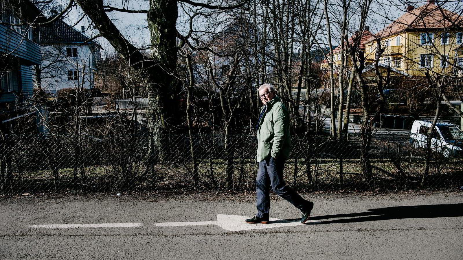 Nylig avgått redaktør i Schibsted, Bernt Olufsen, trener fire ganger i uken og er en ivrig hobbykokk. Nå skal han bruke sin nye blogg til å skrive om egne erfaringer knyttet til aktuelle temaer. Her fra hans eget nabolag Ullevål Hageby.
