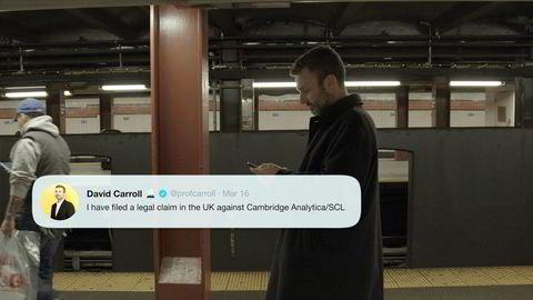 Oppslukt av avhengighetsskapende tjenester klikker vi «aksepter» når små cookies dukker opp på skjermen. Her fra Netflix-dokumentaren «The Great Hack» som tar tak i de mange lovbruddene som skjedde rundt Cambridge Analytica-skandalen.