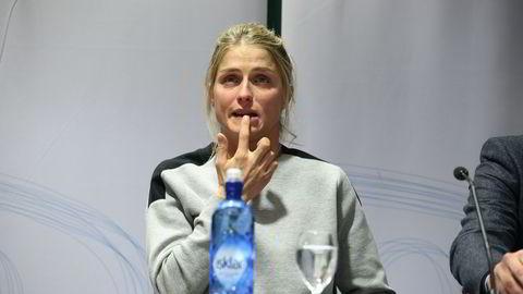 Therese Johaug økte sine verdier kraftig gjennom økt sportslig og kommersiell suksess i 2015. Her fra pressekonferansen torsdag da hun forklarte seg om den positive dopingprøven. Foto: