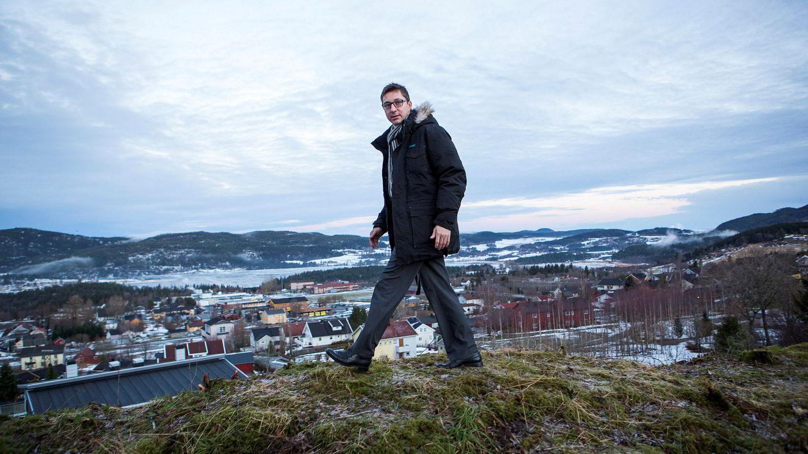 Bjørn Asle Hynne er leder av Aasen Sparebank i Verdal i Trøndelag, og spaserer ut av Eika-samarbeidet sammen med ni andre lokale sparebanker. – Nå jobber vi utelukkende med å stable en helt ny allianse på bena, sier han.