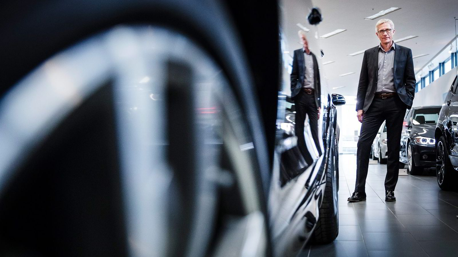 Erik Andresen i Bilimportørenes Landsforening vil beholde vektkomponenten, og mener at det vil få dramatiske følger for bransjen om bilavgifter kun skal baseres på utslipp. Foto: Per Thrana