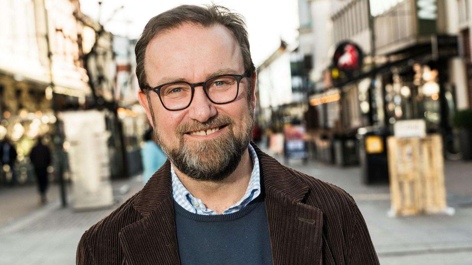 Richard Jacobsen har ingenting på nattbordet, men har tidligere lest «Vita Brevis» av Jostein Gaarder.