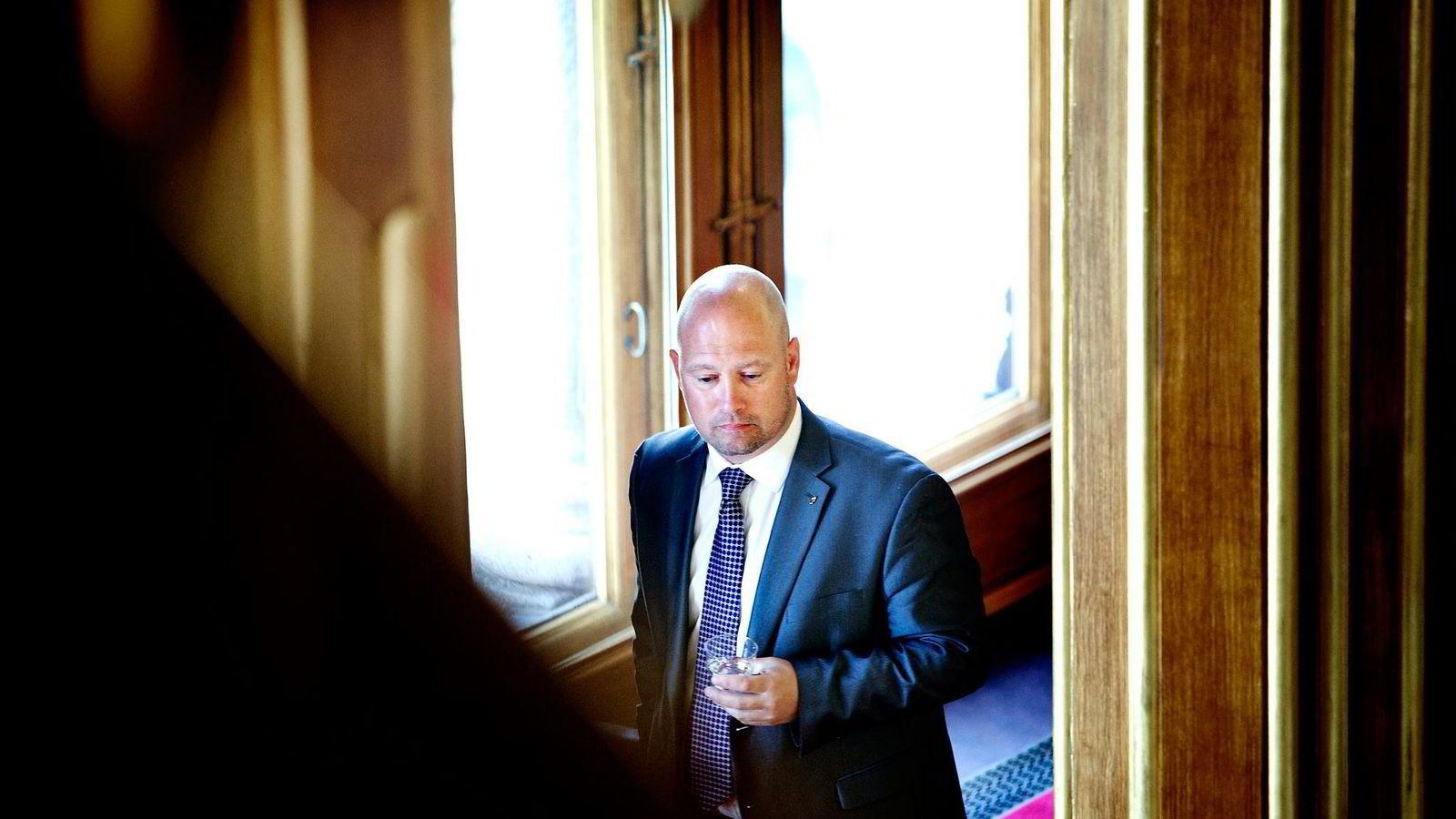 Et flertall på Stortinget vil tirsdag vedta sterk kritikk av justisminister Anders Anundsen for hans håndtering av asylbarn-saken. Foto: Ida von Hanno Bast