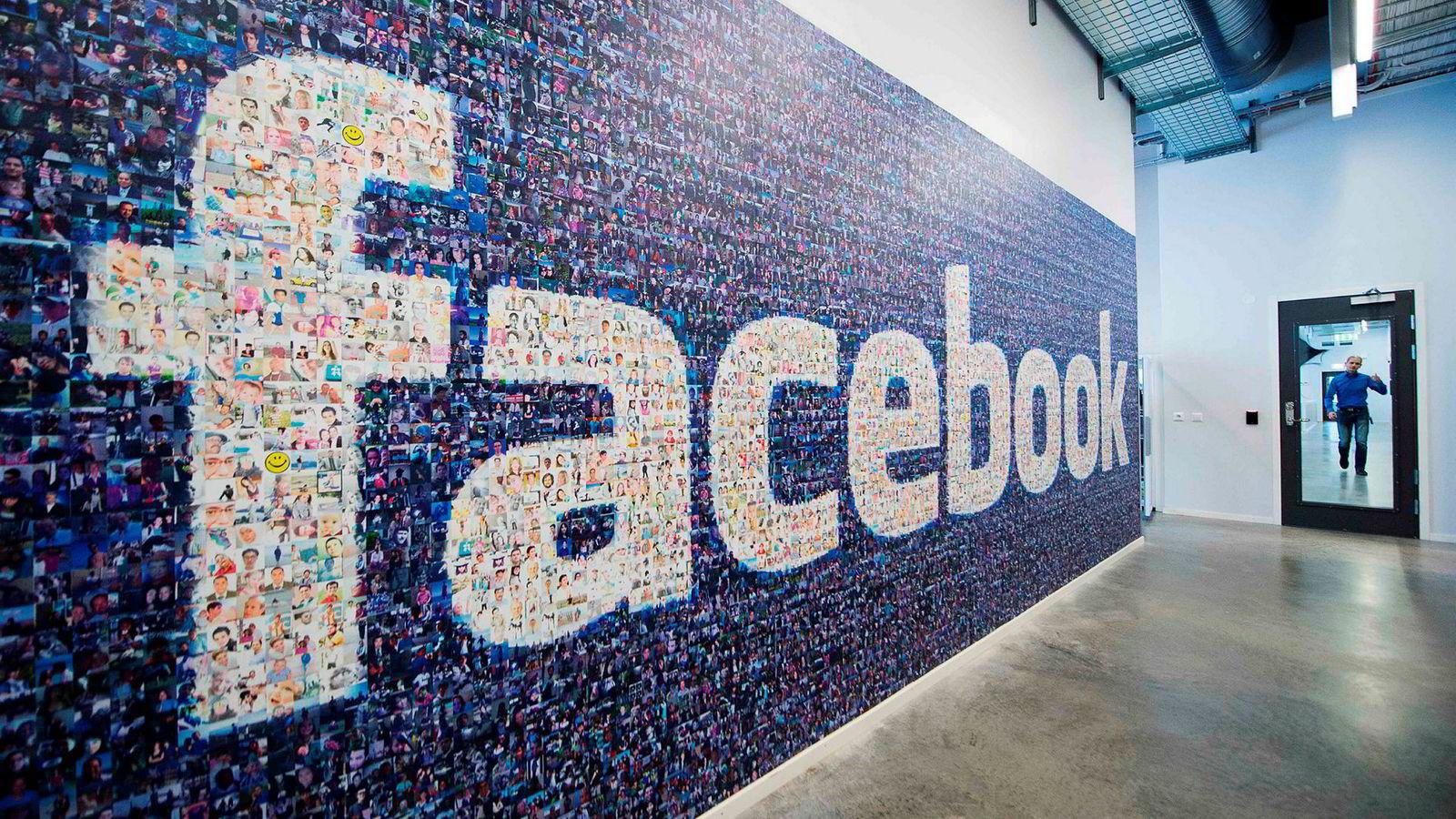 Selskaper som Facebook og Google får skattemessige konkurransefortrinn sammenlignet med nordiske selskaper, skriver artikkelforfatterne.