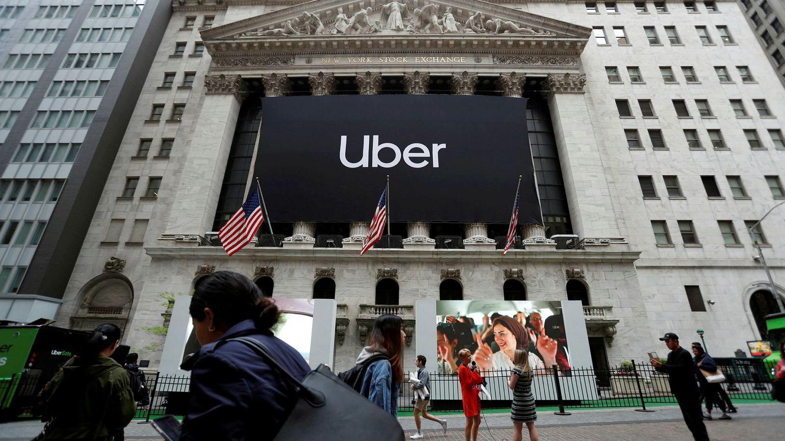 Et Uber-banner ble hengt opp i forbindelse med børsnoteringen av selskapet tidligere i år.