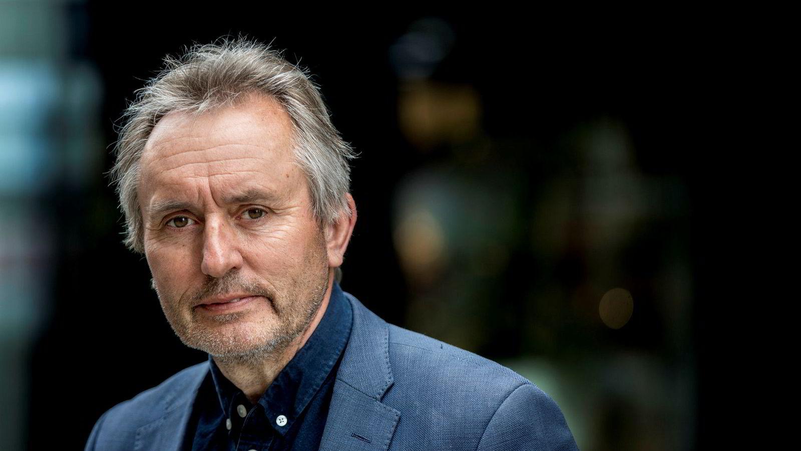 Helge Simonnes skriver bok om splittelsen i KrF.