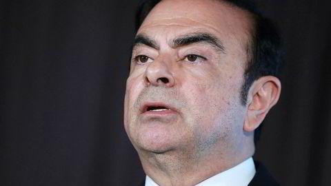 Tidligere Nissan-topp Carlos Ghosn må fortsatt sitte i varetekt etter at påtalemyndigheten har tatt ut ny siktelse mot ham.