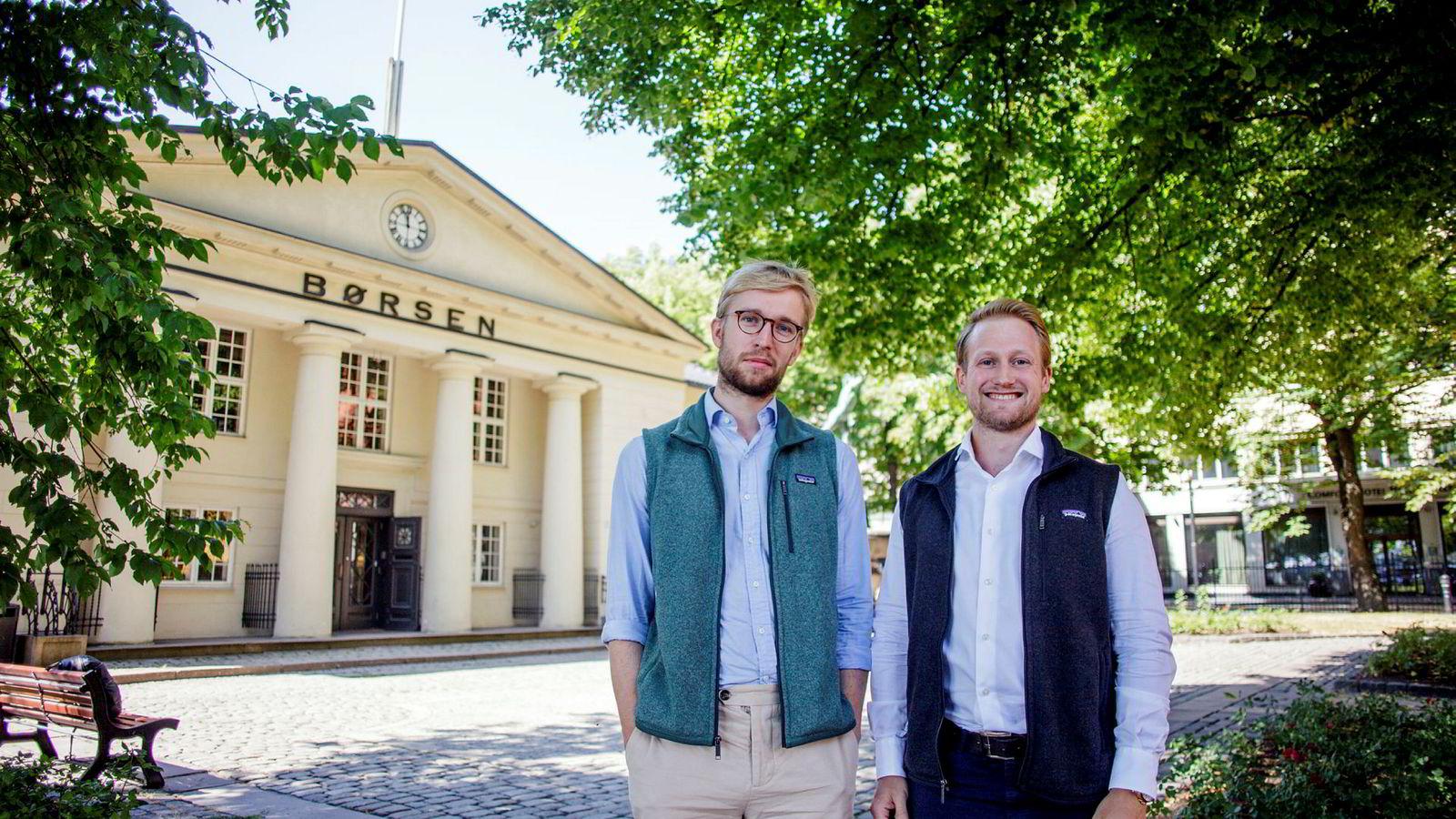 Da NHH-studentene Jørund Norang (til venstre) og Fridrik Røssland Agustsson analyserte de 737 aksjene som har vært notert på Oslo Børs siden 1985 fant de at kun tre av syv klarte å levere høyere avkastning enn risikofri rente i løpet av sin levetid.