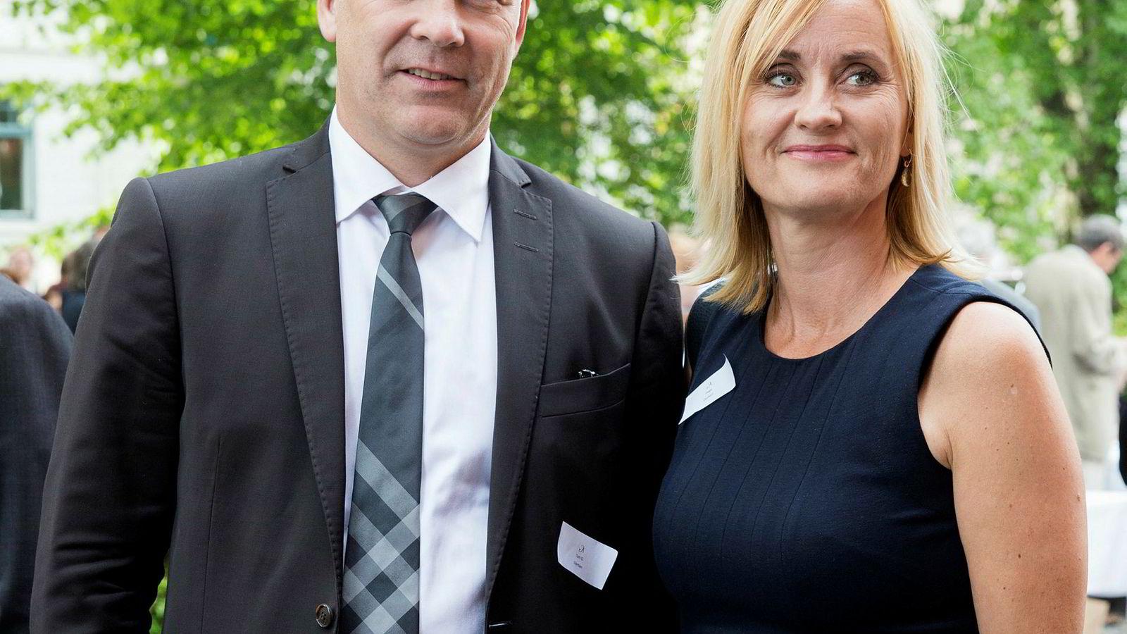 Thor Gjermund Eriksen og Hege Duckert, her i det de ankommer Aschehougs hagefest sammen i 2013.