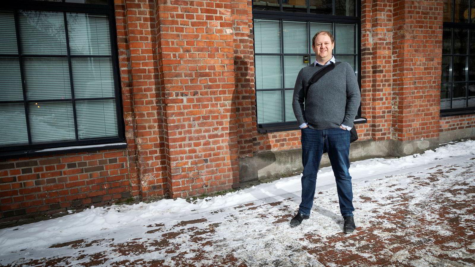 Hodejeger Erik Falk Hansen har inntrykk av at «alle» nå vil til start-ups og små selskaper for å få mer innflytelse.