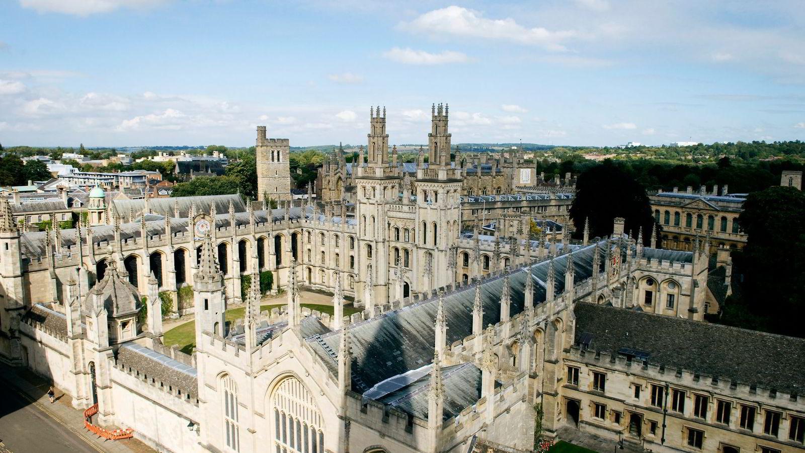 En grad på lavere nivå ved Universitetet i Oxford koster 9000 pund i året for studenter fra EU-land. Nordmenn og andre utenfor EU må betale 15-22.000 pund i skolepenger. Nå kan EU-rabatten ryke.