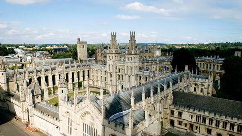 En grad på lavere nivå ved Universitetet i Oxford koster 9000 pund i året for studenter fra EU-land. Nordmenn og andre utenfor EU må betale 15-22.000 pund i skolepenger. Nå kan EU-rabatten ryke. Foto: Istock