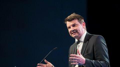 Justisminister Tor Mikkel Wara ser til Danmark for å få bukt med gjengproblemene i Oslo.
