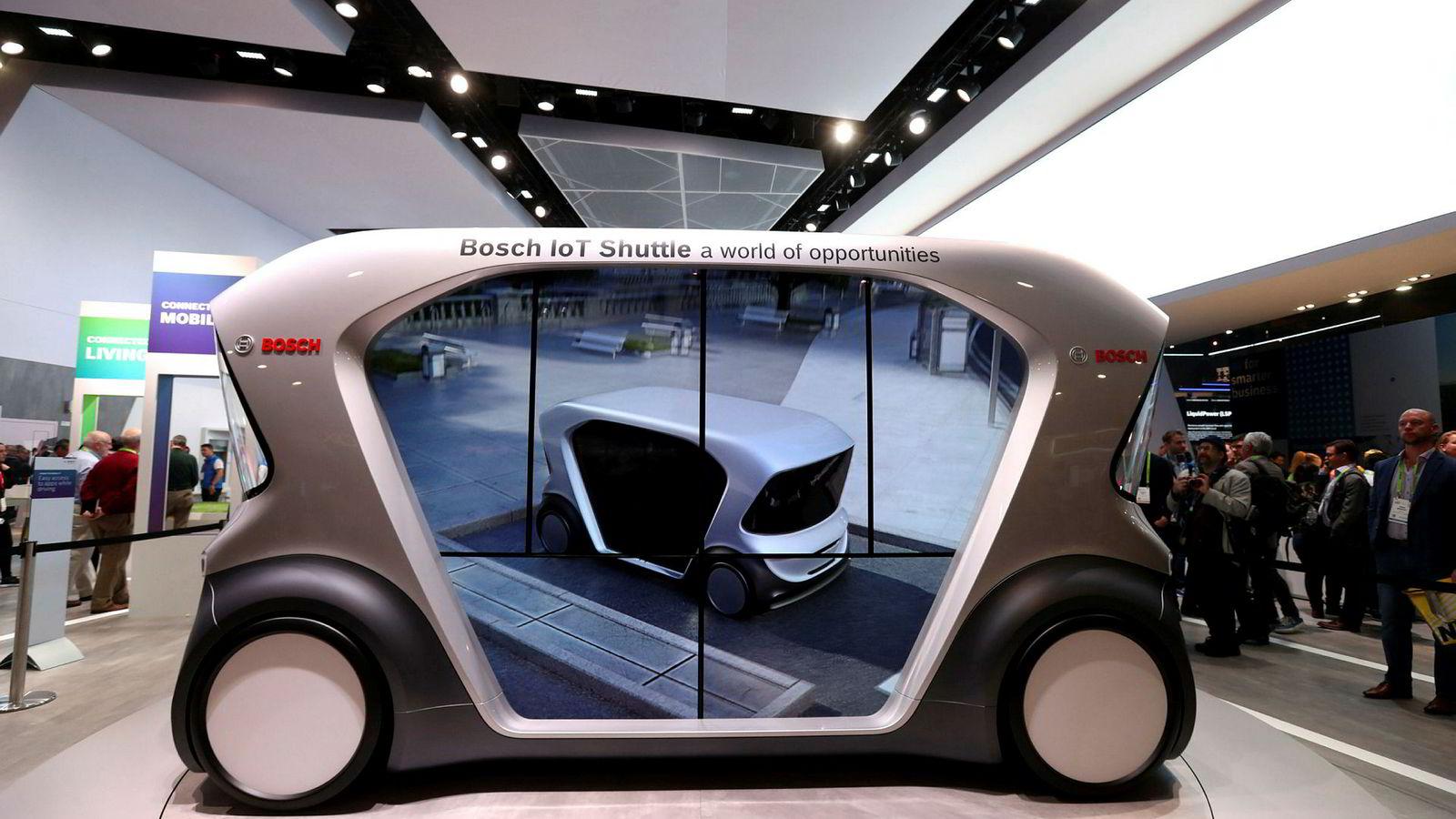 Bosch viser frem en førerløs bil for skytteltrafikk under verdens største forbrukerteknologikonferanse i Las Vegas i januar.