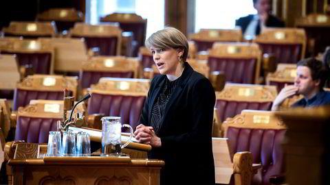 SVs Kari Elisabeth Kaski i finanskomiteen er uenig i forslaget fra regjeringen om at oljefondssjefen bør ansettes på åremål.