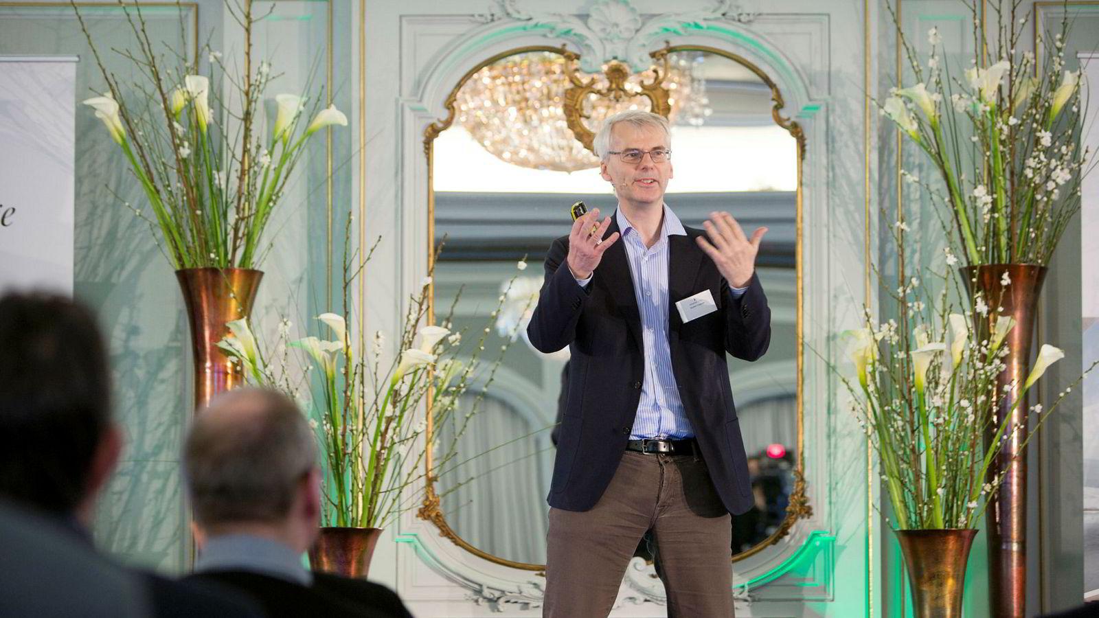 NHH-rektor Øystein Thøgersen sier at interessen har vært stor for det nye masterprogrammet, som er det første i sitt slag i Norge.