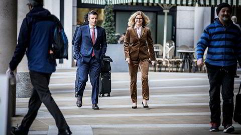 Lundin-toppsjef Alex Schneiter og norgessjef Kristin Færøvik stilte onsdag på kapitalmarkedspresentasjon ved London-børsen her på Paternoster Square.