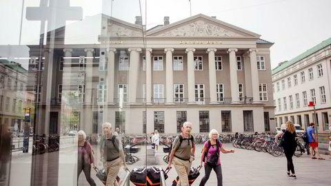 Danske Bank i København er hardt rammet av hvitvaskingsskandalen det siste året, og konsernet har i dag 1900 eksperter som skal hindre hvitvasking og sikre etterlevelse av regler. Her fra hovedkontoret i København.