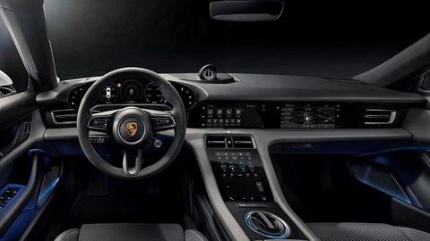 Porsche Taycan byr på mange skjermer.