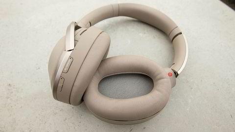 Sonys hodetelefoner slår Bose på alle områder bortsett fra pris. Foto: Magnus Eidem