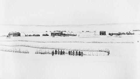 Livet på vidda. Fotografen Sophus Tromholt fotograferte samene i Kautokeino og deres hverdagsliv vinteren 1882–1883.