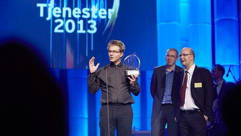 Henning Stokke (til venstre) og Trond Arne Pettersen (med rødt slips) vant en nasjonal gründerpris i regi av revisjonsfirmaet EY i 2013. Året etter solgte de Hytracc, rett før oljenedturen. Foto: Bård Gudim