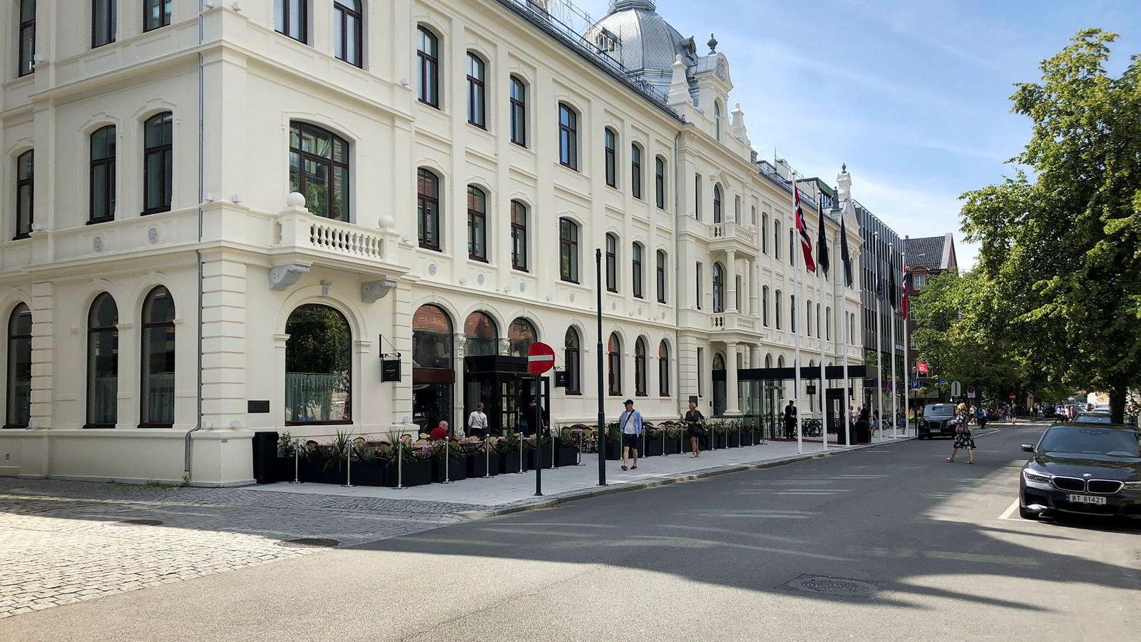 Etter oppussing for rundt 1,2 milliarder kroner sto Britannia hotell klart for gjestene i vår. Oppholdet innfrir med en meget høy standard, gode serveringssteder og et høyere servicenivå. På spa var det imidlertid noen små problemer.
