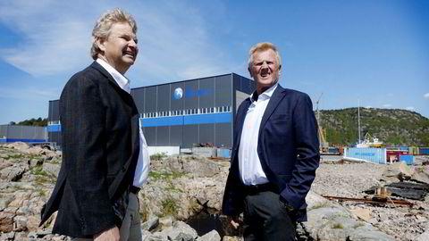 Tor Henning Ramfjord (fra venstre), tidligere toppsjef i oljeutstyrsgiganten National Oilwell Varco, kjøper både eiendom og drift i Båtservice-konsernet i Mandal der Bjørn Fjellhaugen har vært administrerende direktør i 26 år. Foto: Harald Berglihn