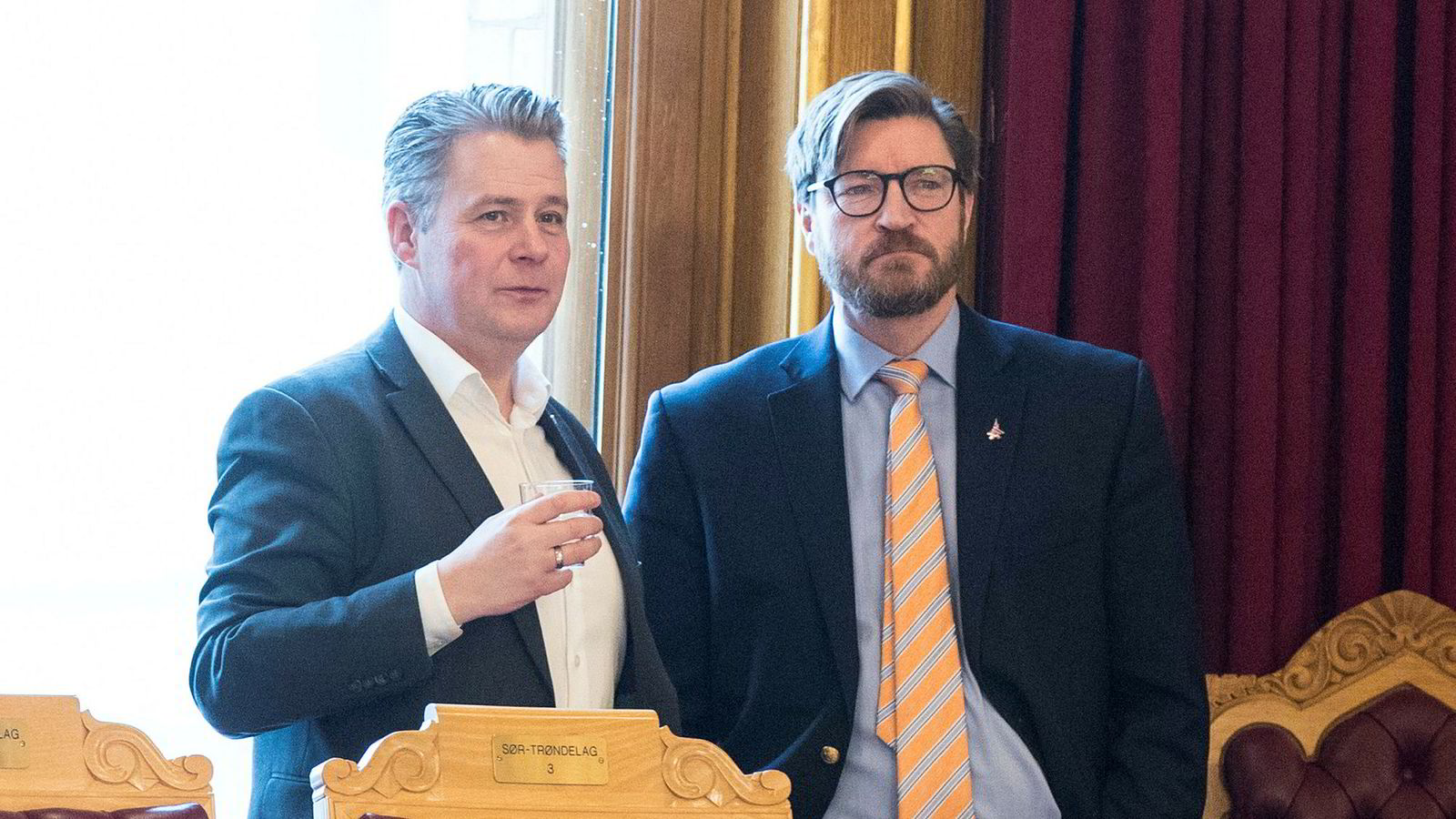 Per-Willy Amundsen og Christian Tybring-Gjedde (begge Frp) under debatten om at Norge må utrede muligheten for å signere atomvåpenforbudet.