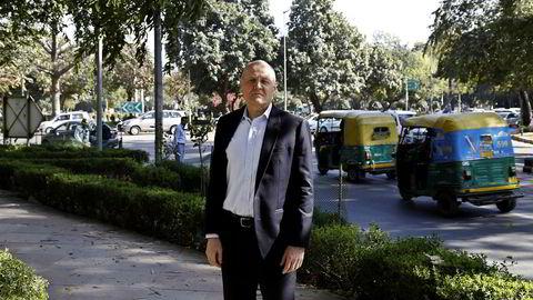 Den politiske oppvasken etter at Telenor satte to streker under sluttsummen for den feilslåtte satsingen i India, har begrenset seg til litt surmuling fra Frp.Under Davos-møtet tidligere i år viste Telenor-sjef Sigve Brekke, i et intervju med E24 til konsulentrapporter som sa at 40 prosent av telekomselskapene vil være borte om ti år, skriver artikkelforfatteren.
