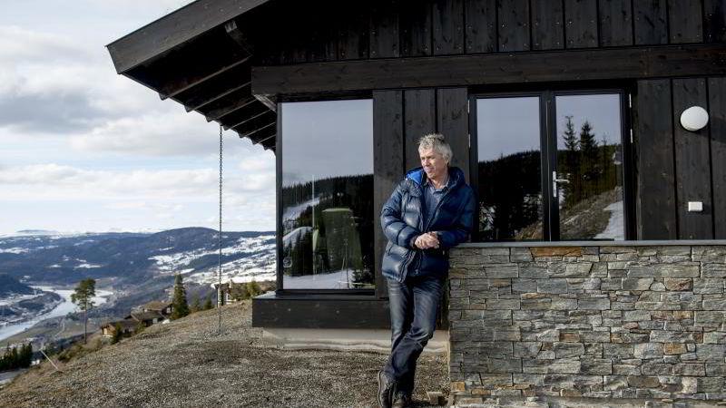 - Det er jo hyggeligere å se naturen enn å se inn i en vegg, mener daglig leder Arve Noreng i Leve Hytter.
