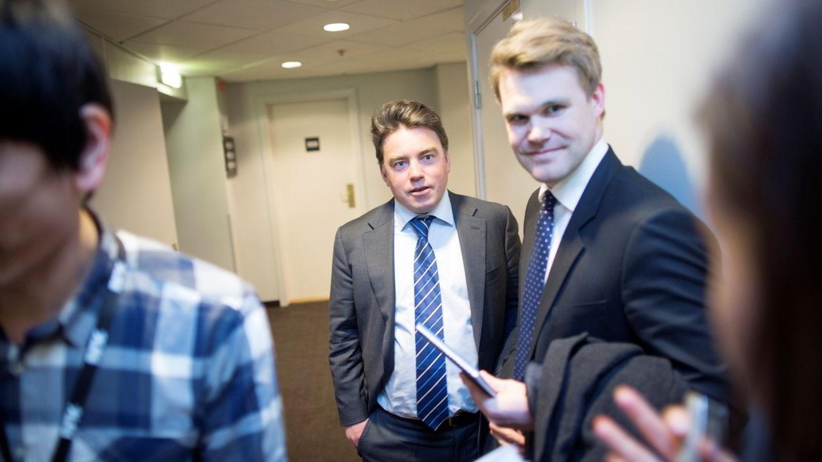 Aldri før har en lignende sak utspilt seg i Norge, sier partner Harald Strømstad i DLA Piper, her med kollega Fredrik Verling til høyre.