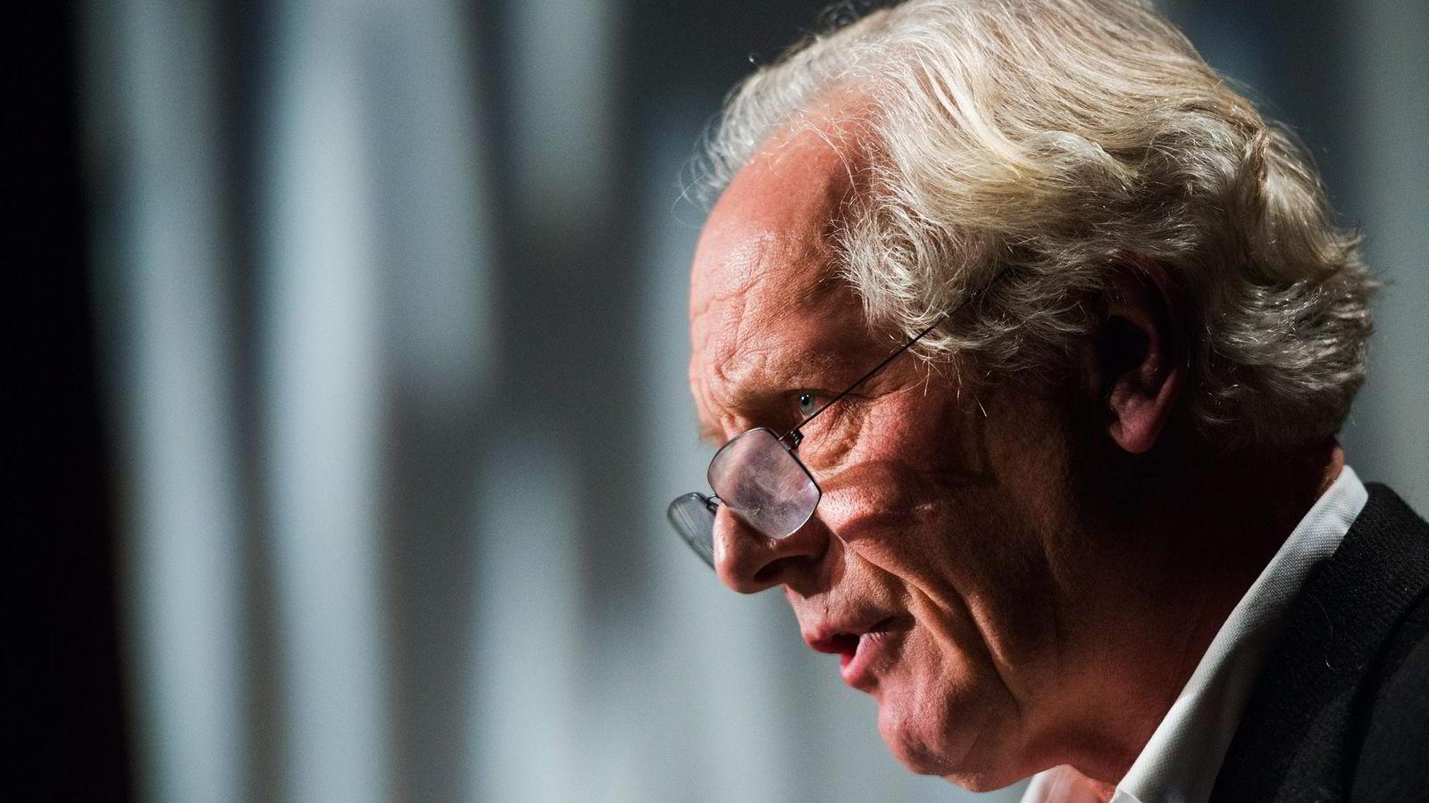 William Nygaard refser Jens Stoltenbergs gyldne bokavtale. Foto: Fredrik Varfjell /